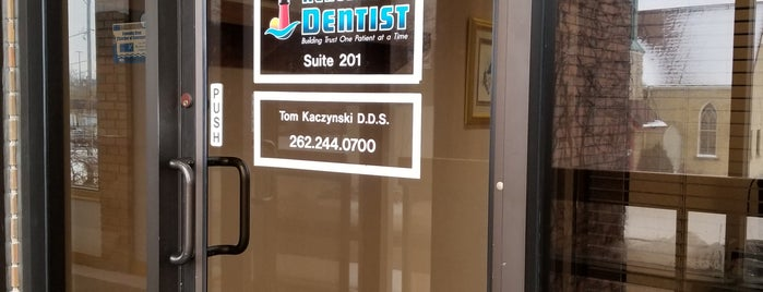 Kenosha Dentist (Dr. Thomas Kaczynski) is one of Posti che sono piaciuti a Victoria.