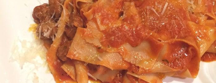SEVE Italian Restaurant is one of Vicky'in Beğendiği Mekanlar.