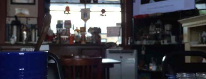 Fabio & Danny's Cafe is one of Posti che sono piaciuti a Vicky.