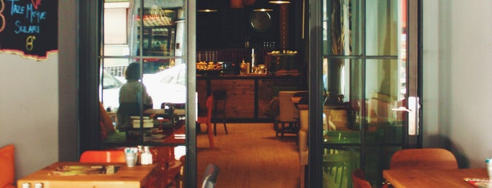 180° Coffee Bakery is one of istanbul.