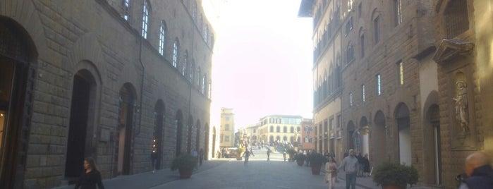 Via de' Tornabuoni is one of Orte, die Viola gefallen.