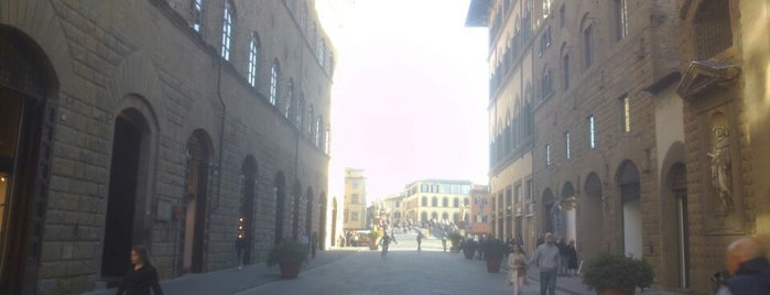 Via de' Tornabuoni is one of Firenze per te.