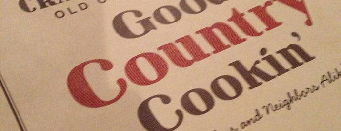 Cracker Barrel Old Country Store is one of Lauraさんのお気に入りスポット.
