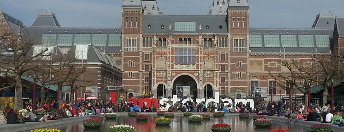 Museumplein is one of Hallo Amsterdam!.