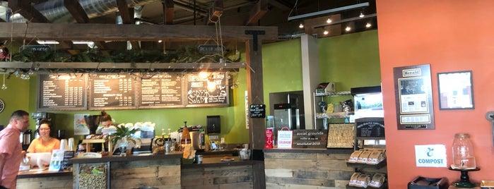 Social Grounds Coffee & Tea Co. is one of Lieux qui ont plu à Ryan.
