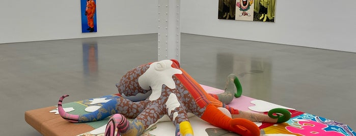 Galerie Perrotin is one of NYC/Brooklyn Musts.