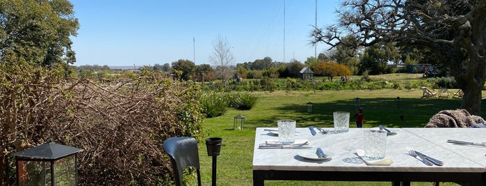 Las Liebres - Restaurante | Hotel is one of Uruguai.
