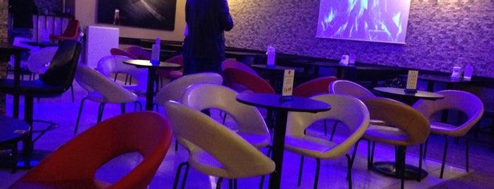 Ah Pub Cafe is one of Lugares favoritos de Serhat.