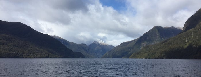Doubtful Sound is one of Новая Зеландия.