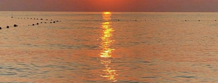 Barut Lara Resort Beach is one of Orte, die Erkan gefallen.