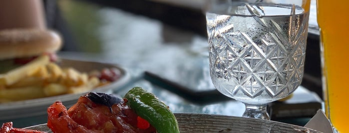 Şerbet Restoran is one of Orte, die Kenan gefallen.