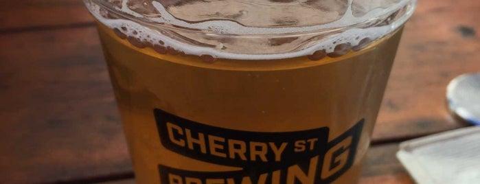 Cherry Street Brewing is one of Tempat yang Disukai Ken.