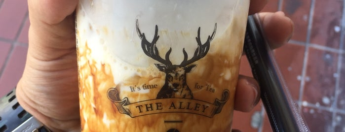 The Alley 鹿角巷 is one of Locais curtidos por Jacky.