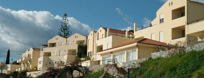 Golden Sand Hotel is one of Locais curtidos por Alina.