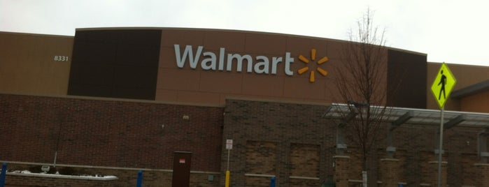 Walmart Supercenter is one of Glenda's Liked Places.