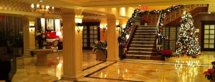 Delamar Hotel is one of Tempat yang Disukai Alex.