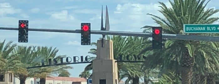 Historic Boulder City Sign is one of Posti che sono piaciuti a Stephen G..