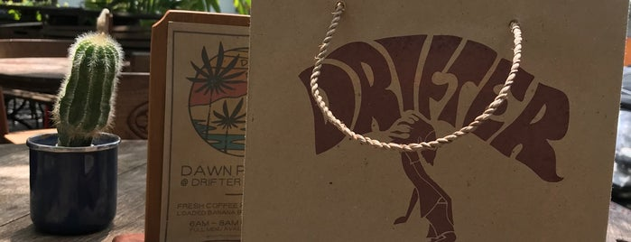 Drifter Surf Shop Cafe And Gallery is one of Bali with Cyn.