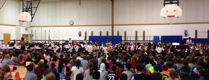 Oak View Elementary School is one of Frey'in Beğendiği Mekanlar.