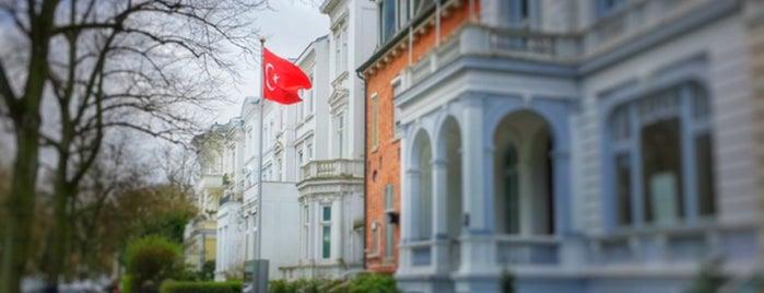 Generalkonsulat der Republik Türkei is one of Lieux qui ont plu à Nurdan.