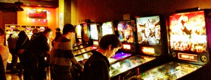 Orbit Pinball Lounge is one of Josh 님이 좋아한 장소.