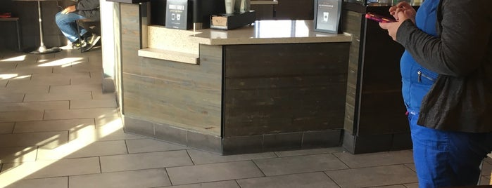Starbucks is one of Kris : понравившиеся места.