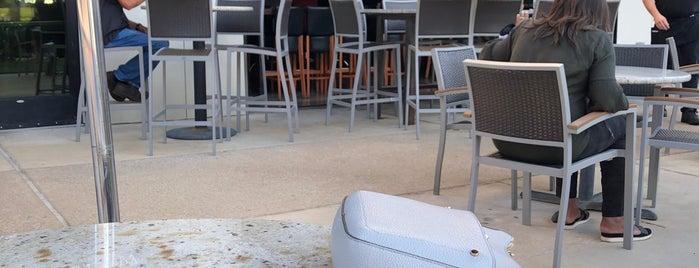 Bar Louie is one of Hemal : понравившиеся места.