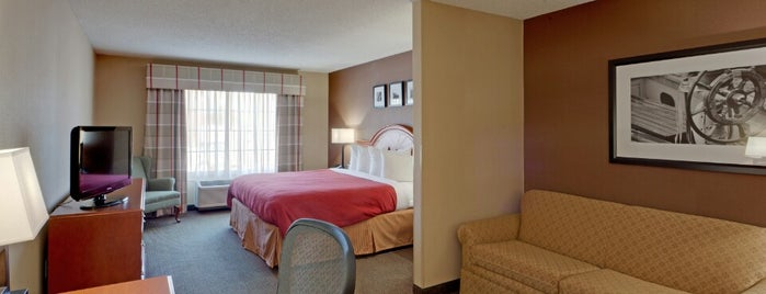 Country Inn & Suites By Radisson, Bel Air/Aberdeen, MD is one of Orte, die Michael gefallen.