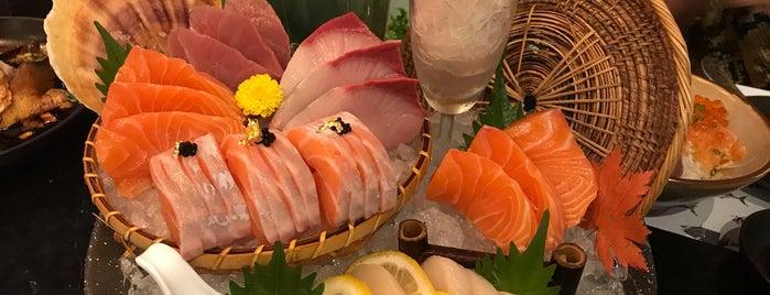 Maguro Sushi is one of Tempat yang Disukai Tangmo.