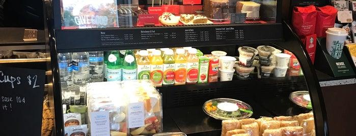 Starbucks is one of Lieux qui ont plu à Leonda.