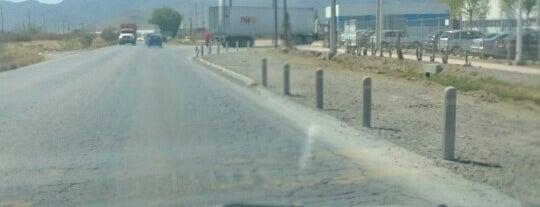 Eje 140 Zona Industrial is one of Posti che sono piaciuti a Pelón.