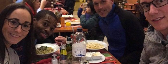 Restaurant Del Barri is one of Posti che sono piaciuti a Nadia.