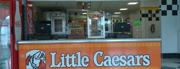 Little Caesars Pizza is one of สถานที่ที่ Dany ถูกใจ.