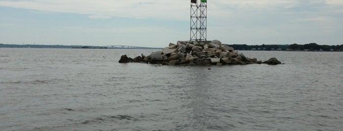 Naragansett Bay is one of สถานที่ที่ Bryan ถูกใจ.