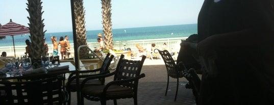 Azure Restaurant at the Shores Resort & Spa is one of Locais salvos de Jessica.