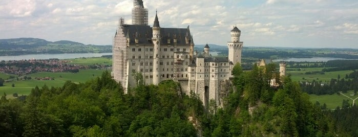 Schloss Neuschwanstein is one of The Amazing Race 20 map.