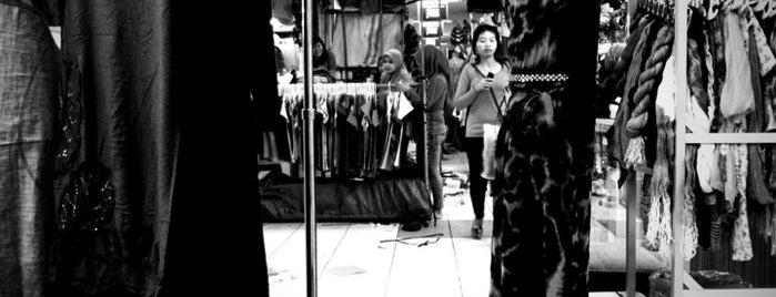 Pasar Turi is one of Characteristic of Surabaya.