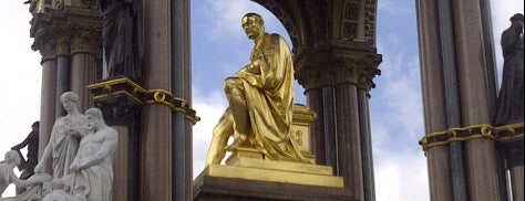 Albert Memorial is one of Orte, die Carl gefallen.