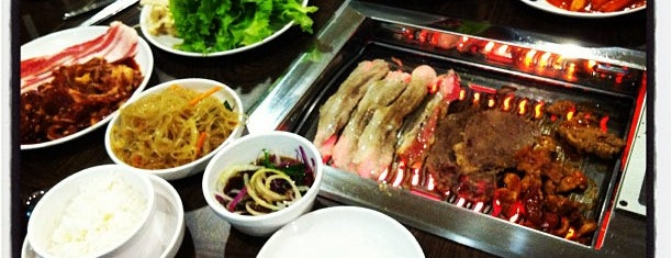 Ssikkek Korean BBQ Restaurant (食客) is one of Locais curtidos por Liping.