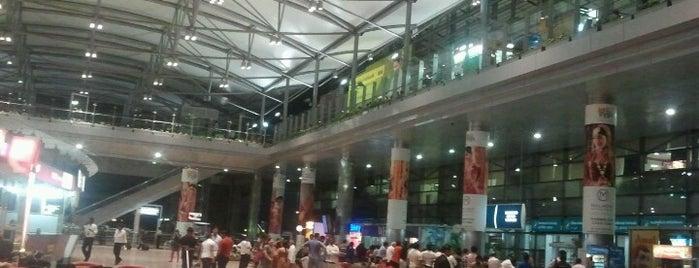 Rajiv Gandhi International Airport (HYD) is one of สนามบินนานาชาติ (1).