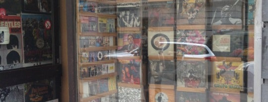 The Collector Record & Movie Gallery is one of Bélgica.