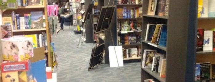 Books Inc is one of Orte, die Afi gefallen.