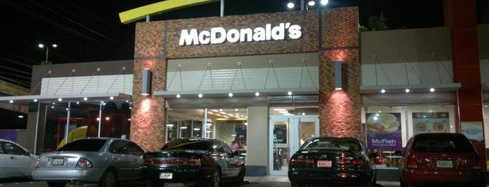 McDonald's is one of Todo tipo de comida de la ciudad corazón. Santiago.