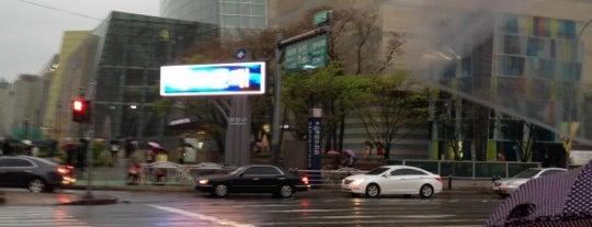 롯데백화점 is one of Seoul Shopping.