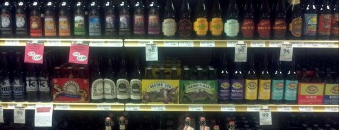 Binny's Beverage Depot is one of สถานที่ที่ Mark ถูกใจ.