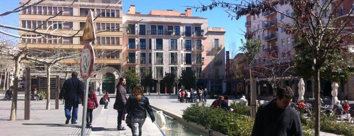 "Plaça del Pati is one of Ruta ""800 anys de places i mercats"" de Valls."