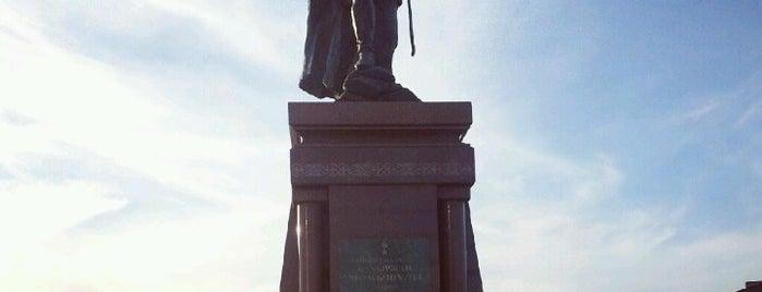 Памятник Бауыржану Момышулы is one of Astana Great Outdoors.