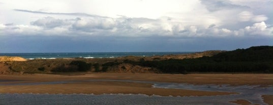 Playa de Usil (Playa de Mogro) is one of สถานที่ที่ Caipirinha ถูกใจ.