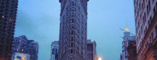 Flatiron Building is one of 101 places to see in Manhattan before you die.