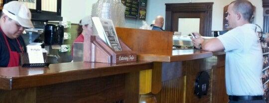 Potbelly Sandwich Shop is one of Andreana 님이 저장한 장소.